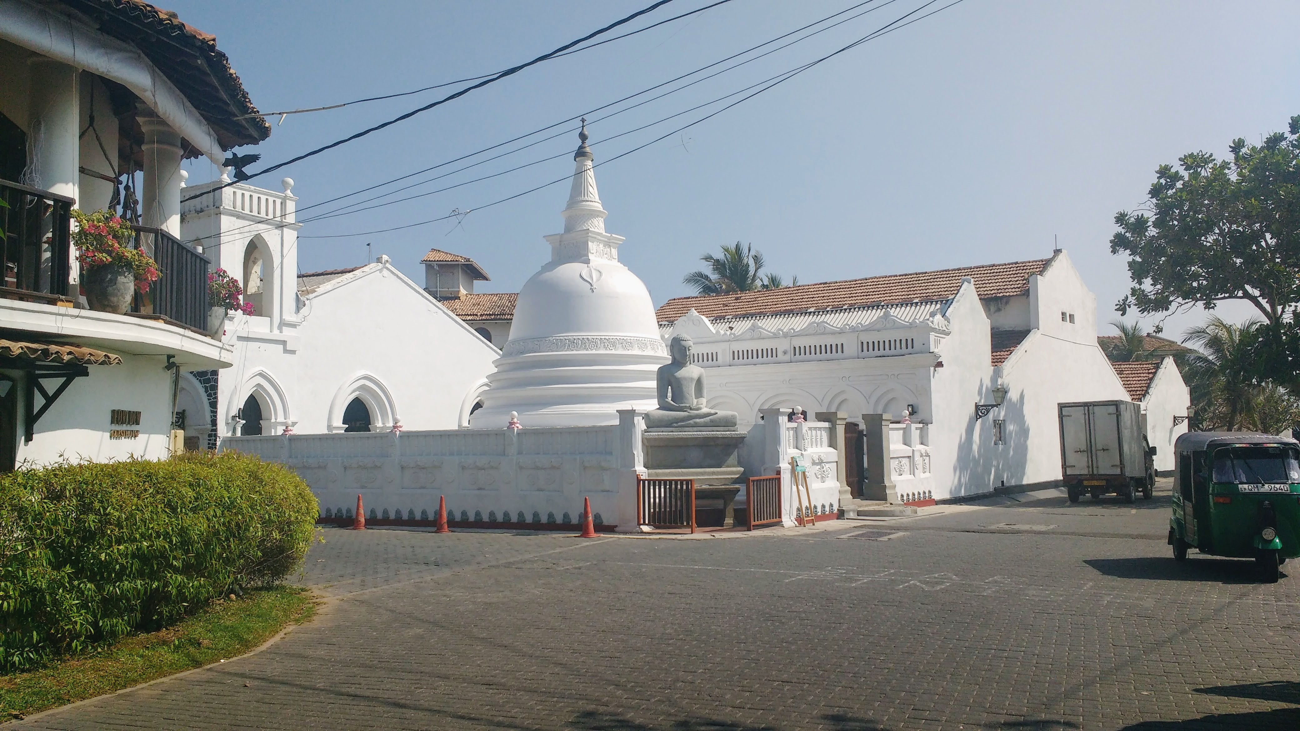 Buddist temple. Just round the corner is a huge mosque